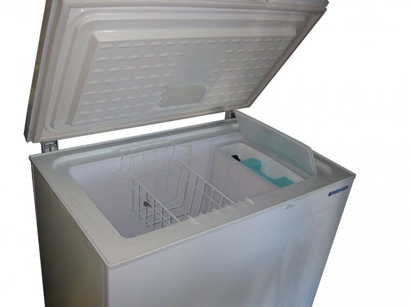 Battery-less 180 L solar-powered refrigerator, FREECOLD RSI-180