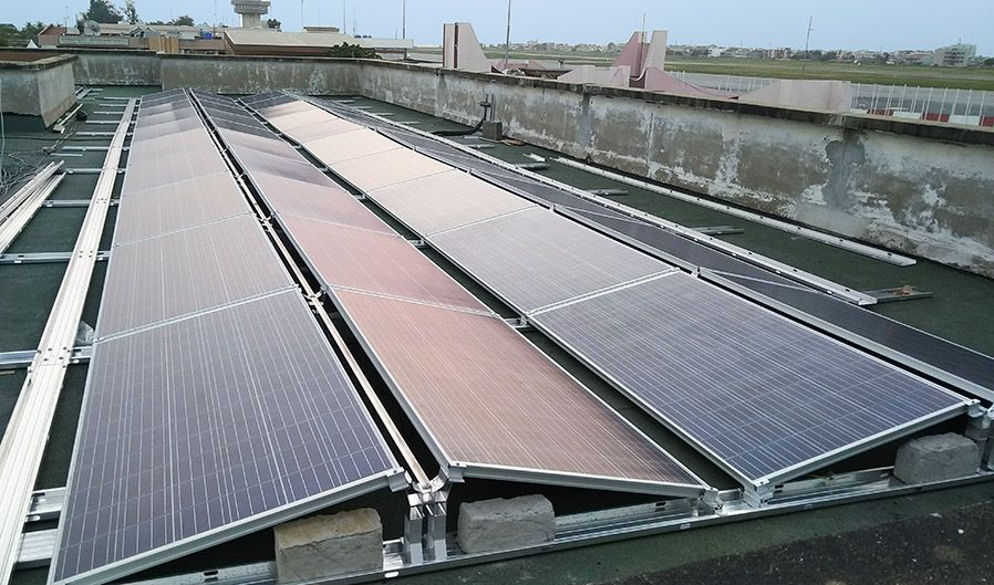 <br>40 kWp solar power plant during assembly